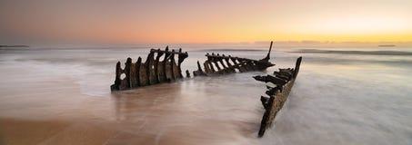 Dicky Wreck au lever de soleil Photo stock