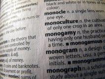 Dictionnaire ouvert - mot de monogamy Photographie stock libre de droits