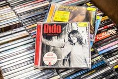 Dido cd albumowy życie dla czynszu 2003 na pokazie dla sprzedaży, sławnego Angielskiego piosenkarza i kompozytora, fotografia royalty free