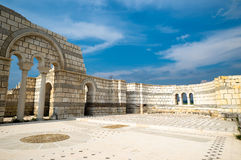 Die Änderung der alten großen Basilika Pliska mit Bögen in SU Stockfotos