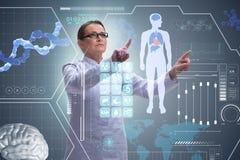 Die Ärztin in Fernmedizin mhealth Konzept Stockfoto