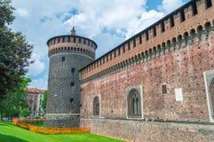 Die äußere Wand von Sforza-Schloss stockfotografie