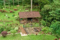 Die Überreste des gondoarum Tempels in Purworejo, Indonesien lizenzfreie stockfotos