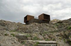 Die Überreste eines Ferienzentrums in Cap de Creus (Katalonien, Spanien) Lizenzfreies Stockfoto