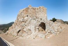 Die Überreste von einem vonseiten- Durchgängen in Nimrod Fortress fanden in oberem Galiläa in Nord-Israel auf der Grenze mit dem  stockbild