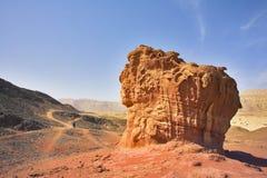Die Abbildungen vom roten Sandstein in der Wüste Arava Lizenzfreie Stockbilder