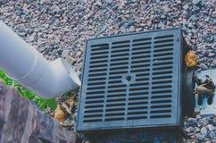 Die Ableitung der Regenwasserentwässerung Lizenzfreie Stockfotos