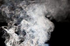 Die abstrakte Zahl des Rauches auf einem schwarzen Hintergrund Stockfoto