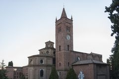 Die Abtei von Monte Oliveto Maggiore ist ein großes Benediktinerkloster in der italienischen Region von Toskana, nahe Siena Lizenzfreie Stockfotografie