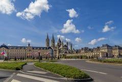Die Abtei von Saint-Etienne und von Rathaus, Caen, Frankreich Stockbild