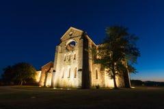 Die Abteiruinen Sans Galgano in Toskana im Sommer Lizenzfreies Stockfoto