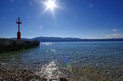 Die adriatische Küstenlinie beim Umgeben von Glavotok Stockbild