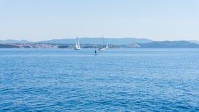 Die adriatisches Seeansicht schöne Bildyachten Stockfoto