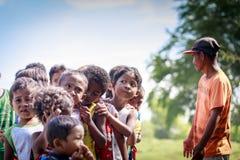 Die Aeta-Stammkinder nahe bringen Pinatubo am 27. August 2017 in S an Lizenzfreie Stockbilder