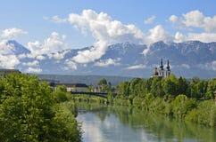 Die Alpen in Villach lizenzfreies stockfoto