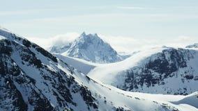 Die Alpen von West-Norwegen stock video