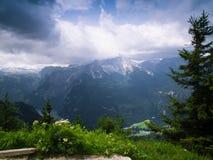 Die alpinen Berge Lizenzfreies Stockfoto