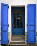 Die alte blaue Holztür Lizenzfreies Stockfoto
