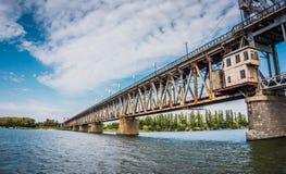 Die alte Brücke in Osteuropa Stockbild