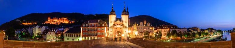 Die alte Brücke und das Tor in Heidelberg Lizenzfreies Stockbild