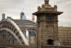 Die alte Eisenbahnbrücke lizenzfreies stockfoto
