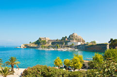 Die alte Festung von Korfu gesehen vom Ufer Griechenland Lizenzfreies Stockfoto