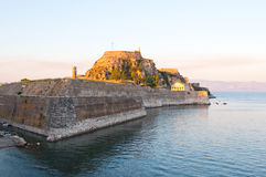 Die alte Festung während des Abends auf der Insel von Korfu, Griechenland Lizenzfreie Stockfotos