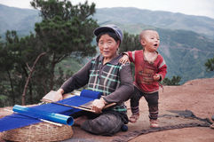 Die alte Frau und das Kind Lizenzfreie Stockbilder