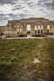 Die alte große Basilika in Pliska Das größte in mittelalterlichem Südost-Europa stockbild