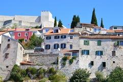 Die alte historische Stadt von Å-ibenik, Kroatien Stockbild