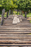 Die alte Holzbrücke an Lizenzfreie Stockfotos
