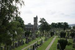 Die alte Kirche und der Friedhof Stockfoto