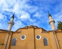 Die alte Moschee und der bewölkte Himmel. Evpatoria. Ukraine lizenzfreie stockfotografie