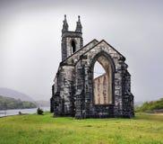 Die alte Ruinen-Kirche bei Dunlewey Lizenzfreies Stockfoto