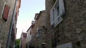 Die alte Stadt von Budva in Montenegro stock video