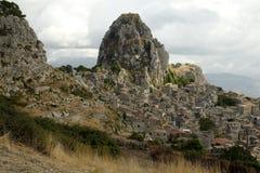 Die alte Stadt von Caltabellota in Sizilien Lizenzfreies Stockfoto