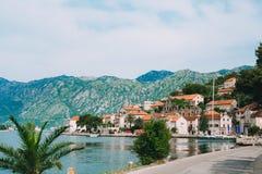 Die alte Stadt von Perast auf dem Ufer von Kotor-Bucht, Montenegro Th Stockfoto