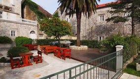 Die alte Stadt von Perast auf dem Ufer von Kotor-Bucht, Montenegro Th stock video