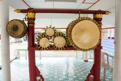 Die alte Trommel und die Trommelstöcke Stockbild