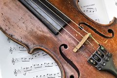 Die alte Violine Lizenzfreie Stockbilder