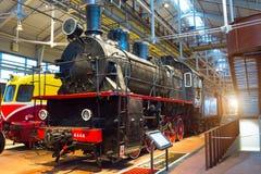 Die alten Dampflokomotiven von Zeiten der UDSSR Russland St Petersburg Museums-Eisenbahnen von Russland am 21. Dezember 2017 Stockfotos