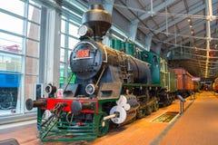 Die alten Dampflokomotiven von Zeiten der UDSSR Russland St Petersburg Museums-Eisenbahnen von Russland am 21. Dezember 2017 lizenzfreies stockfoto
