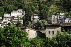 Die alten Häuser von Berat auf Albanien stockfotos
