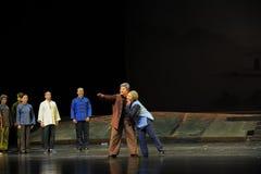 Die alten Jiangxi-Oper die Erwartungen des Paares eine Laufgewichtswaage Stockbild