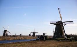 Die alten niederländischen Windmühlen, Holland, ländliche Ausdehnungen Windmühlen, das Symbol von Holland Lizenzfreies Stockfoto