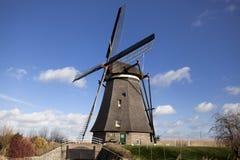 Die alten niederländischen Windmühlen, Holland, ländliche Ausdehnungen Windmühlen, das Symbol von Holland Stockbild