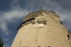 Die alten Ruinen des Grabs von Caecilia Metella stockfotografie