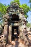 Die alten Ruinen eines historischen Khmertempels im Tempel compl Stockfoto