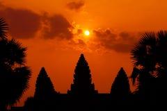 Die alten Ruinen eines historischen Khmertempels im Tempel compl Stockbild