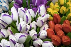 Die Andenken bei Bloemenmarkt - sich hin- und herbewegender Blumenmarkt auf Singel-Kanal amsterdam netherlands Lizenzfreie Stockfotos